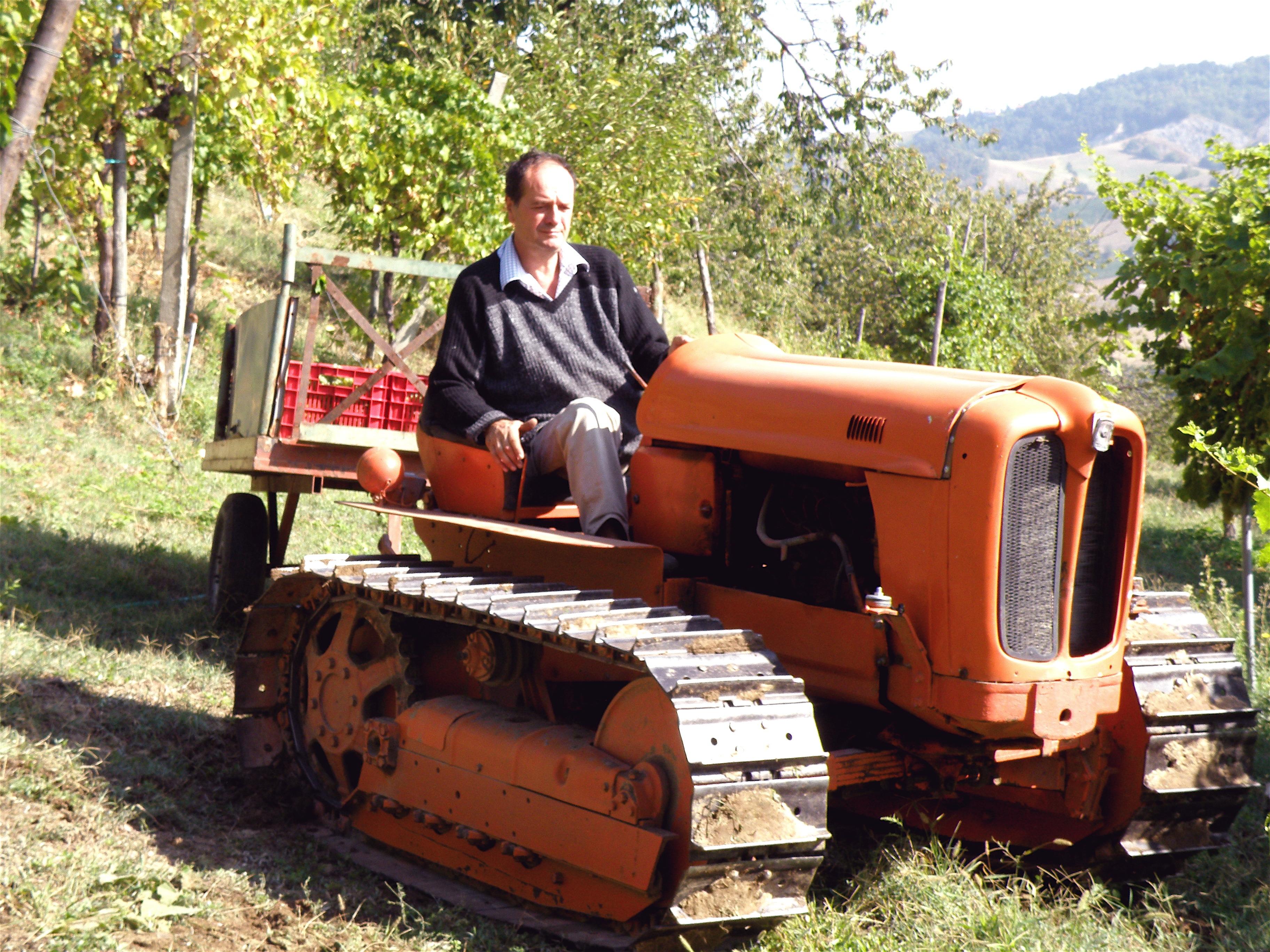Agriturismo-Ca-Isotta-Carlo-trattore